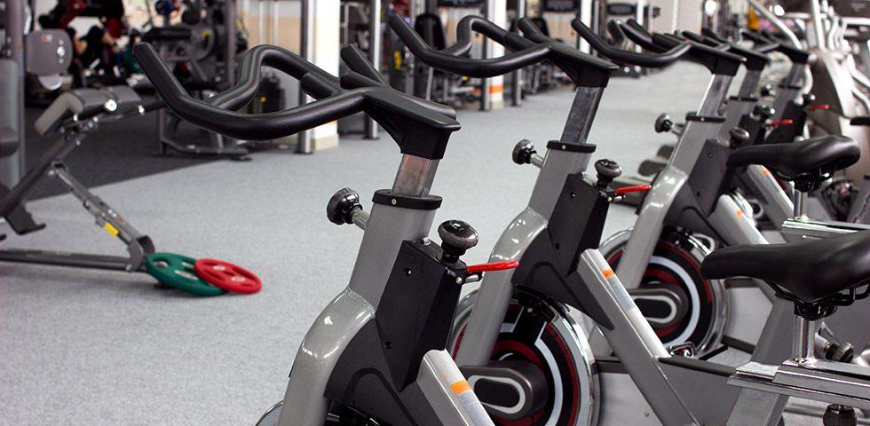 diferencias entre bicicleta estatica y ciclo indoor - sated
