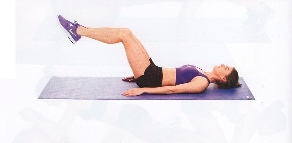 plancha con rodillas al techo - ejercicios core - sated fitness